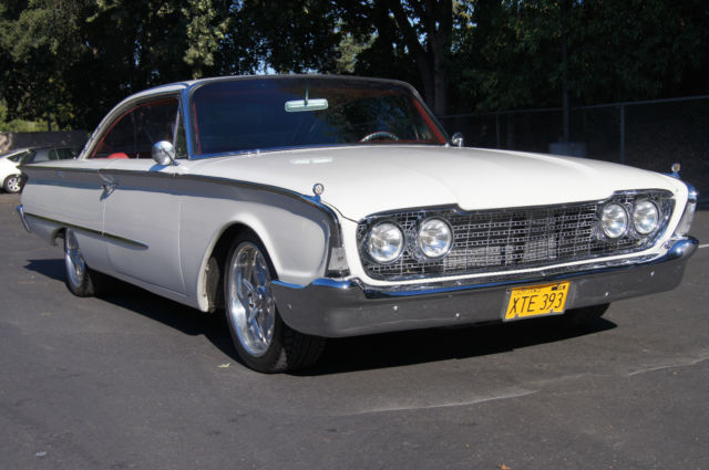 1960 Ford Galaxie Starliner