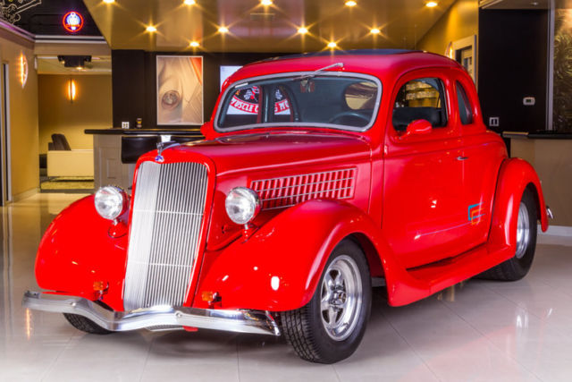 1935 Ford 5-Window Coupe Street Rod