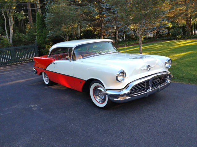 1956 Oldsmobile Eighty-Eight Holiday 88