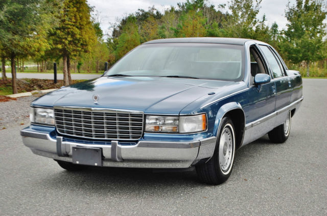 1993 Cadillac Fleetwood Just 67000 miles loaded 5.7 v-8