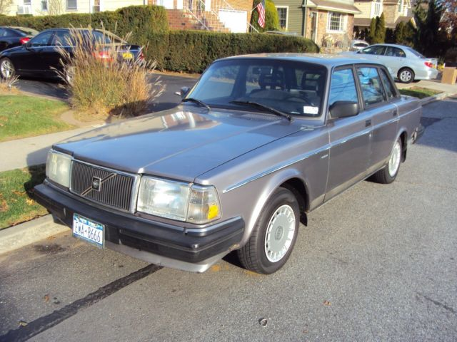 1991 Volvo 240 DL 4 Door Sedan