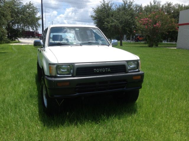 TOYOTA 4RUNNER 4WD 5 SPEED MANUAL 22RE 4 CYLINDERS EFI for