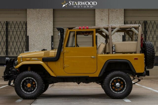 1971 Yellow Toyota FJ Cruiser FJ-40 with Tan interior
