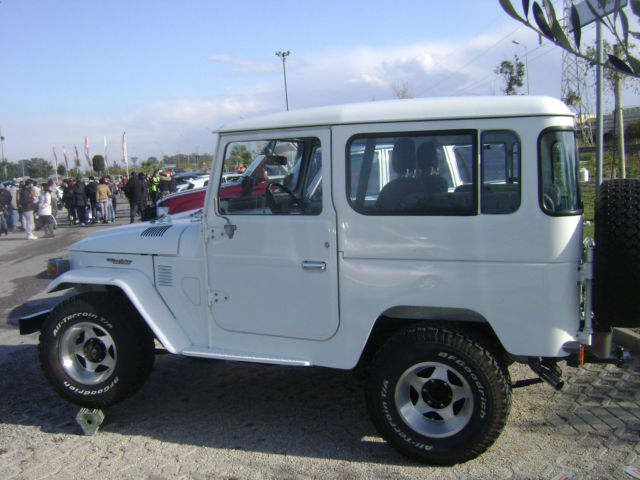 toyota land cruiser bj 40 fj 40 diesel very strong. Black Bedroom Furniture Sets. Home Design Ideas