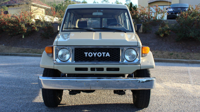 1990 Toyota Land Cruiser Troop Carrier