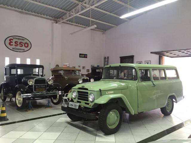 1957 Toyota Land Cruiser Toyota Land Cruiser FJ25 L