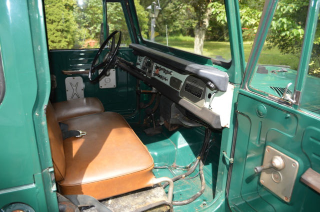 1971 Green Toyota Land Cruiser FJ40 with Green with brown leather seats interior