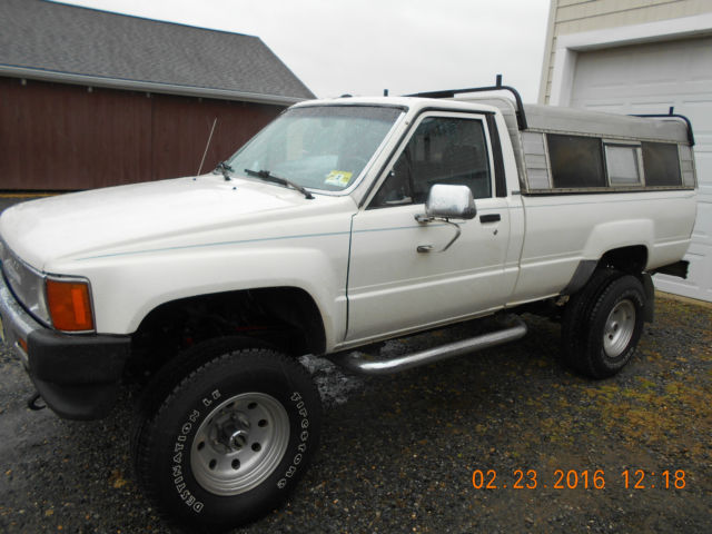1987 Toyota Pickup Deluxe Standard Cab Long Bed Pickup