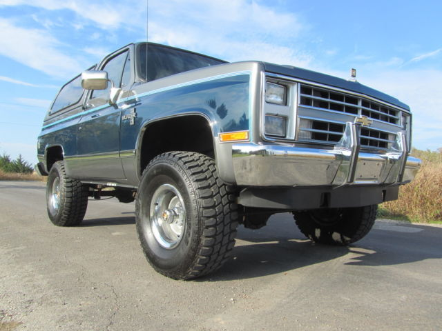 1988 Chevrolet Blazer COLLECTOR QUALITY SQUARE BODY