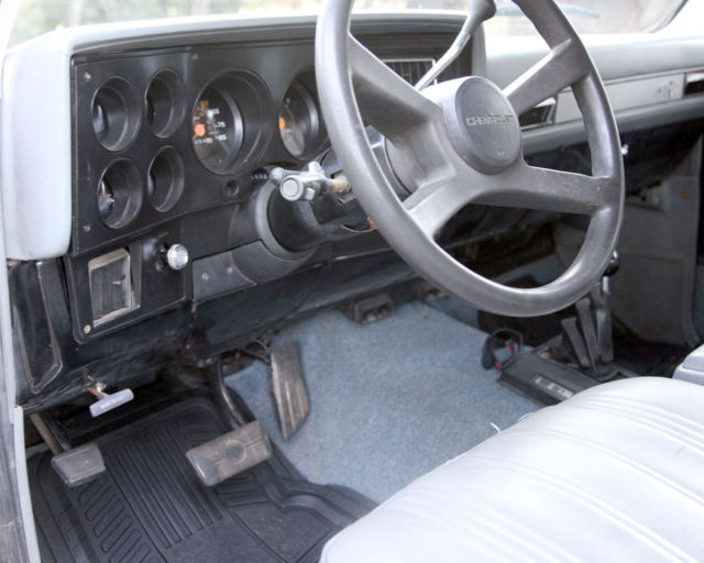 k5 blazer interior rhino liner bing images. Black Bedroom Furniture Sets. Home Design Ideas