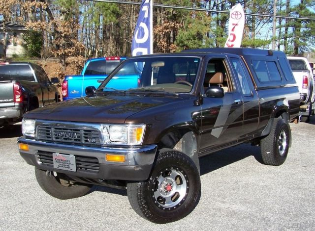 1989 Toyota Tacoma DLX 99K ORG MILES 4X4 TURN KEY SERVICED ORG BEAUTY HILUX