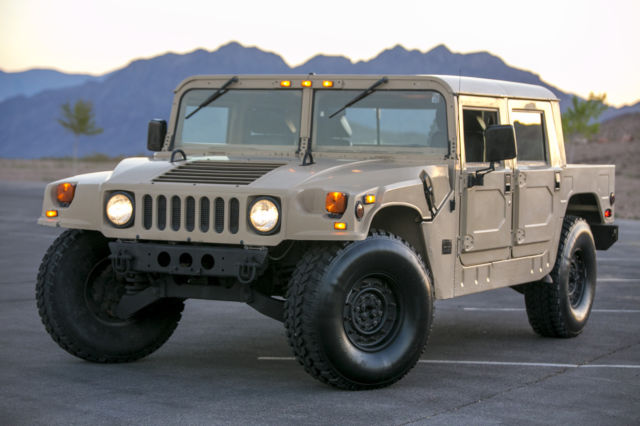 1992 Hummer H1 LIMITED EDITION #206/316 1ST EDITION NEIMAN MARCUS