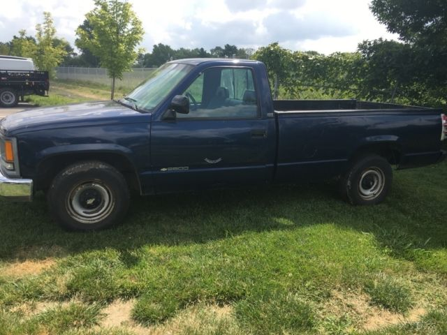 used 1994 chevy cheyenne rwd pickup work truck blue cheap blue cloth no reserve for sale photos. Black Bedroom Furniture Sets. Home Design Ideas