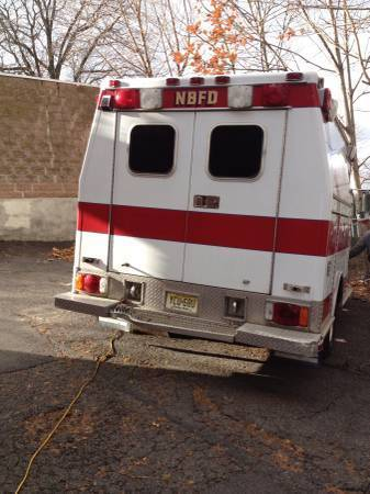 Used Ambulance 4x4 Ford E350 for Sale for sale: photos
