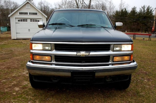 1994 Black Chevrolet C/K Pickup 1500 Standard Cab Pickup with Gray interior