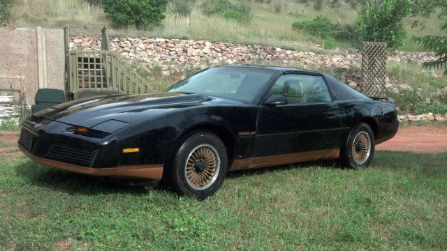 Very Rare Pontiac Trans Am Bandit Black Gold Cross Fire Recaro Edition