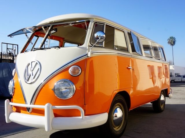 1975 Volkswagen Bus/Vanagon Split Window