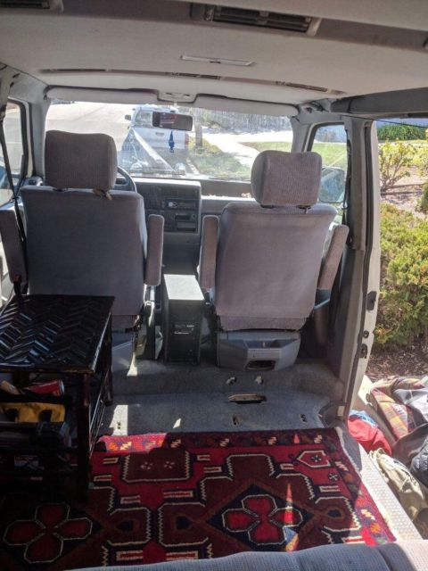 1993 White Volkswagen Bus/Vanagon Eurovan Van Camper with Gray interior