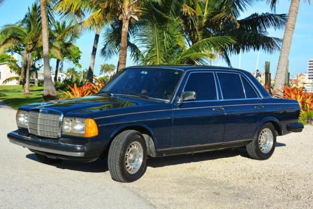 W123 300D Mercedes-Benz Turbo Diesel Immaculate Show Room Condition