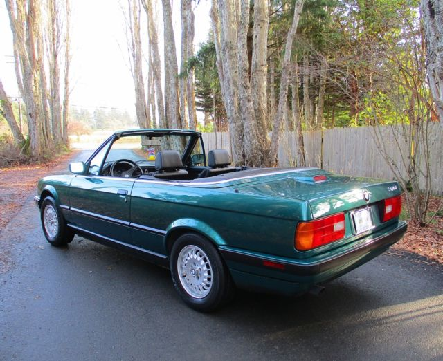 1992 Lagunengruen Metallic BMW 3-Series Convertible with Black interior