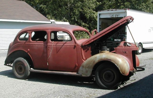 1937 Chrysler Royal chromium